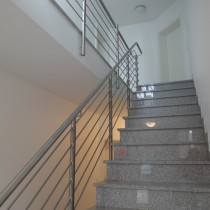 Treppenhaus mehrfamilienhaus modern  TOLXDORF IMMOBILIEN - TOP BEWERTETER IMMOBILIENSERVICE ...