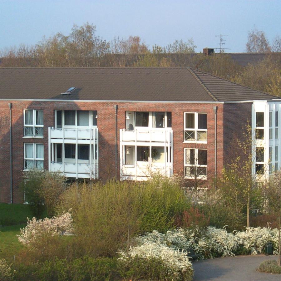 Meerbusch-Strümp - Hausansicht Düsselweg 2-16