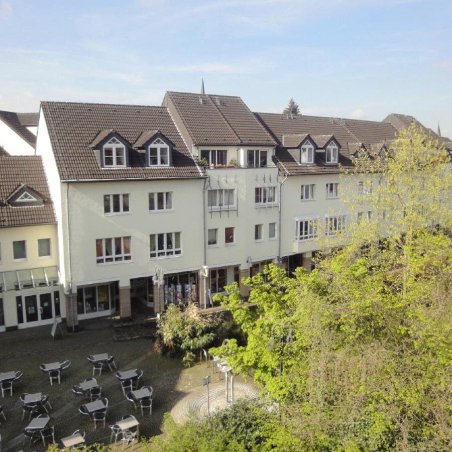 Meerbusch-Büderich - grüne Wohnanlage Am Flehkamp 15-19